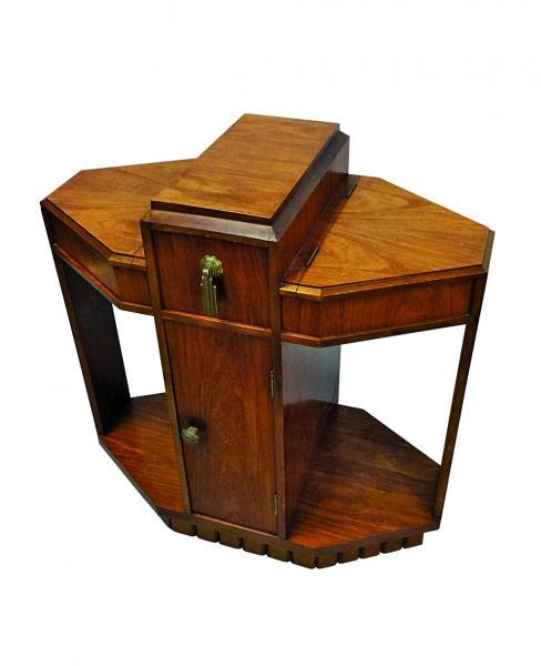 MAJORELLE Nancy  - Table d'appoint, formant travailleuse, en bois exotique.  - Le[...]