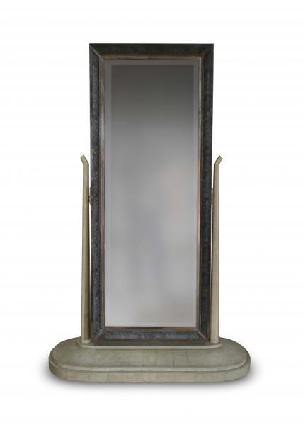 Jules Leleu (1883-1961) Psyché en bois gainé de galuchat et ivoire Le miroir[...]
