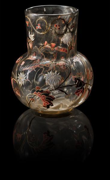EMILE GALLE (1846-1904)  - Rare vase à corps pansu et long col droit légèrement[...]