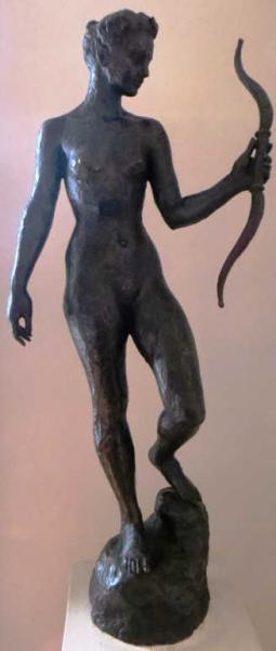 Hubert YENCESSE (1900-1987)  - Diane   - Bronze à patine noire    - Hauteur : 93 cm[...]