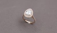 Bague en or rose 750MM, ornée d'un diamant taille poire, 2 carats...