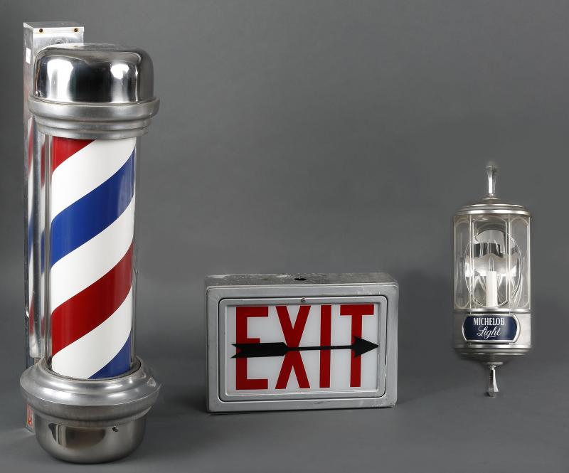 enseigne barber shop enseigne originale de coiffeur ou barbier art contemporain et. Black Bedroom Furniture Sets. Home Design Ideas