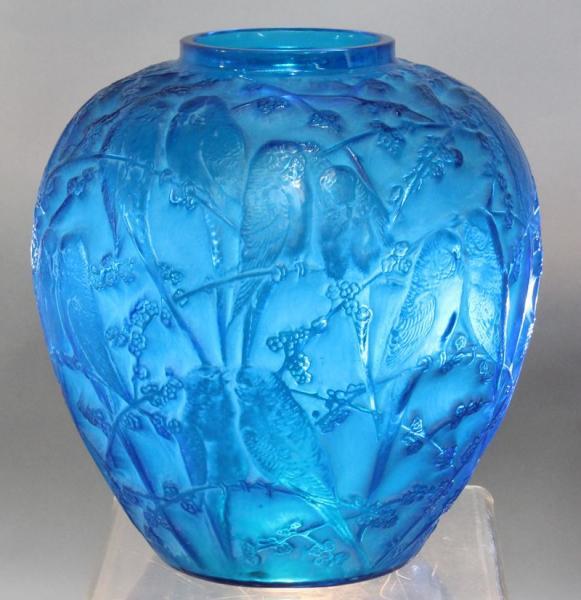 R. LALIQUE : vase