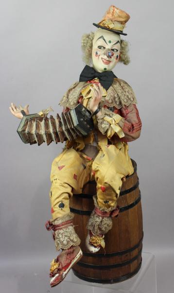 Automate à musique : CLOWN à l'accordéon sur un tonneau, fonctions : bouge un bras [...]