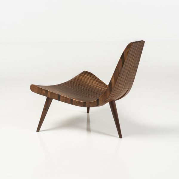 ƒ Joaquim Tenreiro (1906-1992), Cadeira de 3 pés, Chaise tripode à pied compas  -[...]