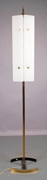 ARREDOLUCE  - LAMPADAIRE en métal doré et peint en noir, cache-ampoule en opaline[...]