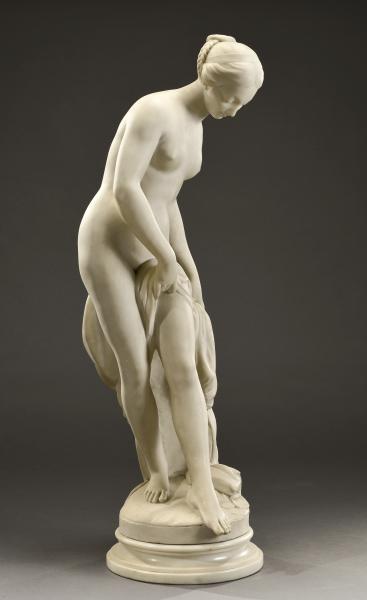 Venus à la fontaine  - Marbre sculpté  - H. 87 cm avec la base en marbre -
