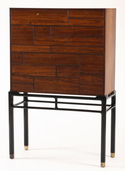 Cabinet à tiroirs - Palissandre et bois noirci - Travail Scandinave (petits[...]