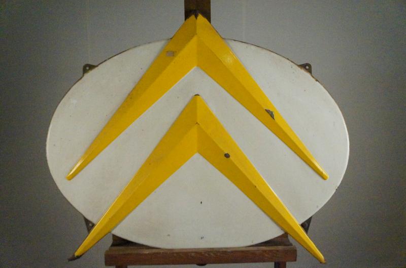 plaque maill e sigle citroen fond jaune automobilia sadde dijon. Black Bedroom Furniture Sets. Home Design Ideas
