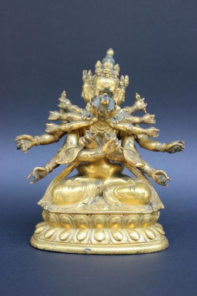 Statuette en bronze ciselé et doré figurant Vajradarha à 12 bras...